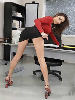 women with hairy legs photos