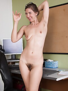 amateur hairy pussy photos